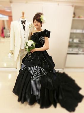 ブログ用/ブラックドレス.jpg